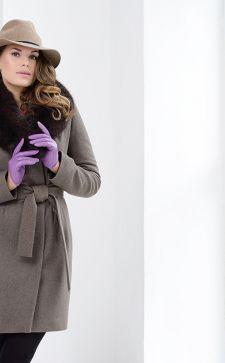В тренде зимнее пальто с мехом