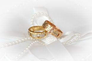 Обручальные кольца: как подобрать классический вариант