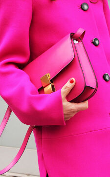 С чем сочетается розовый цвет в одежде