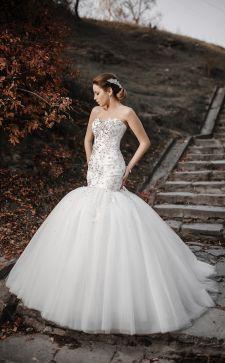 Самые модные свадебные платья 2017 года