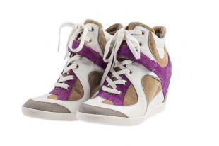 Сникерсы — стильная спортивная обувь