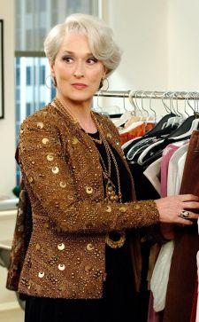 Базовый гардероб для женщины 50 лет: элегантные фасоны летней и зимней одежды