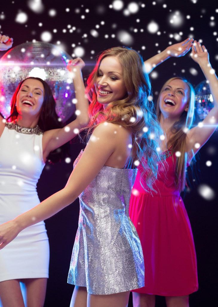 Актуальные цвета платьев на Новый год 2016