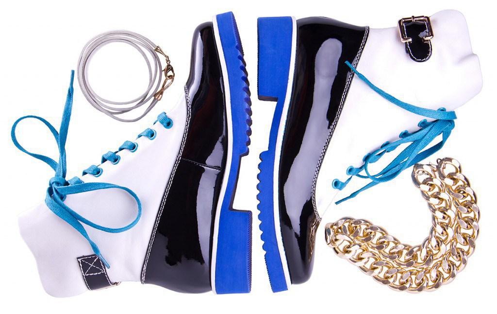 Ботинки с цветной подошвой
