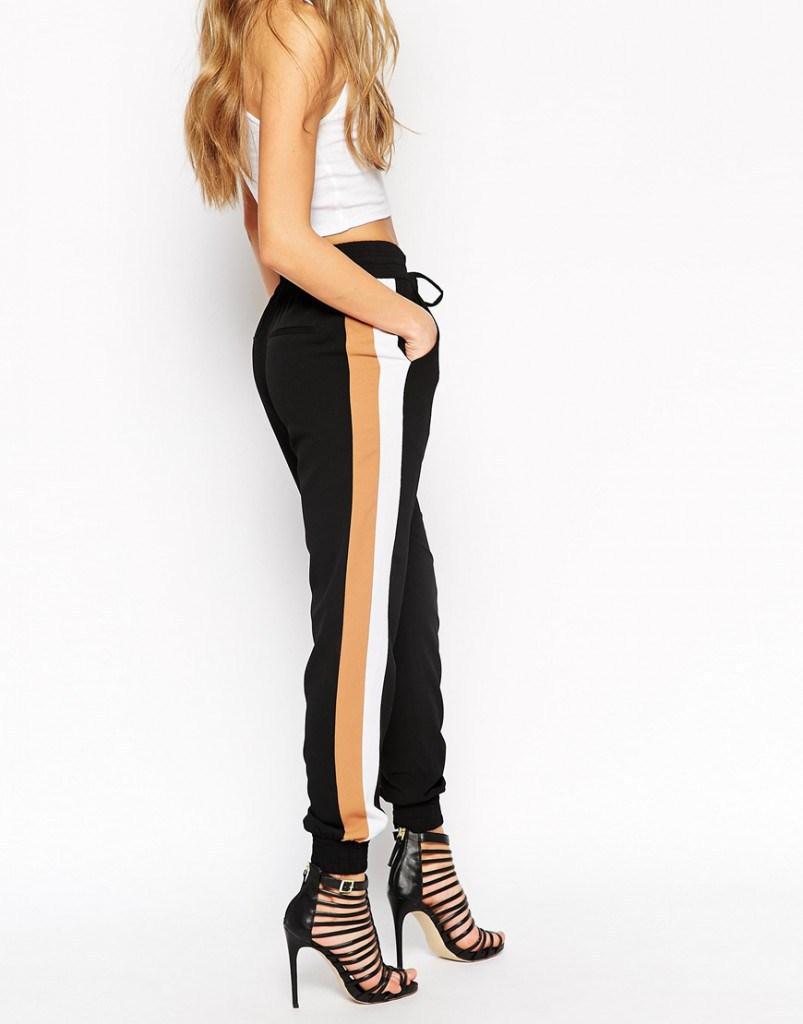 Модные брюки с вертикальными полосами