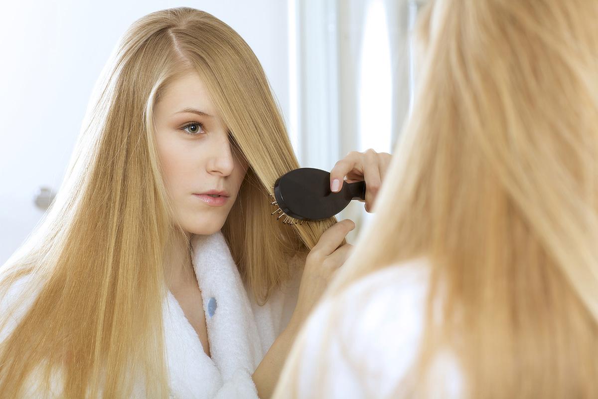 Видеть во сне себя перед зеркалом расчесывать волосы