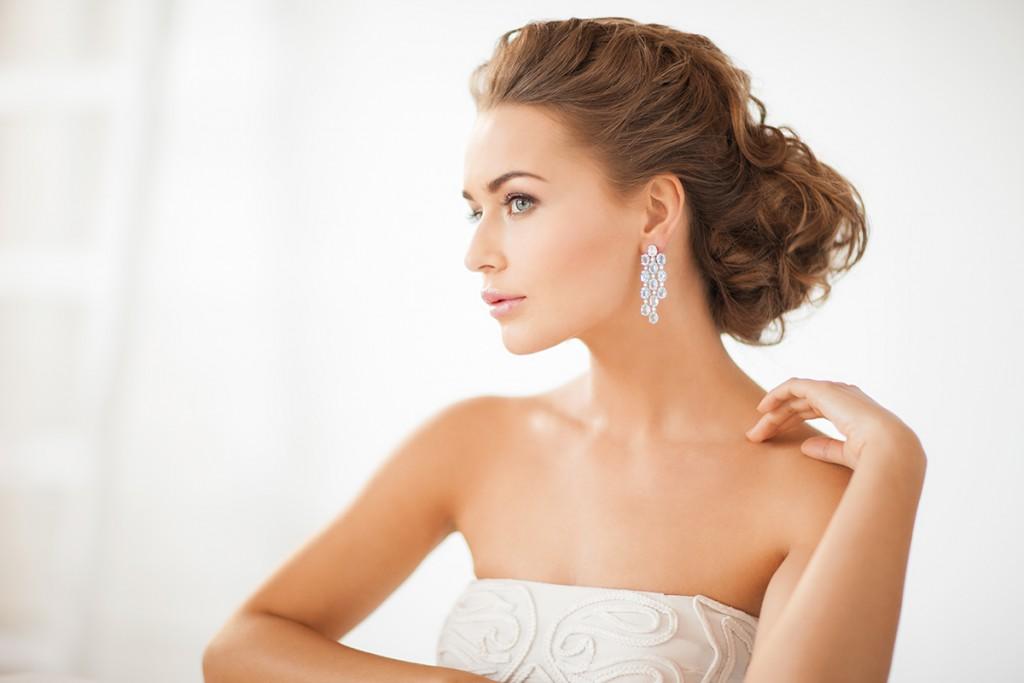 Модная прическа невесты