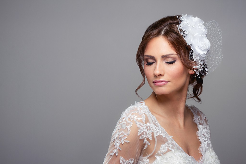Прическа невесты с вуалеткой