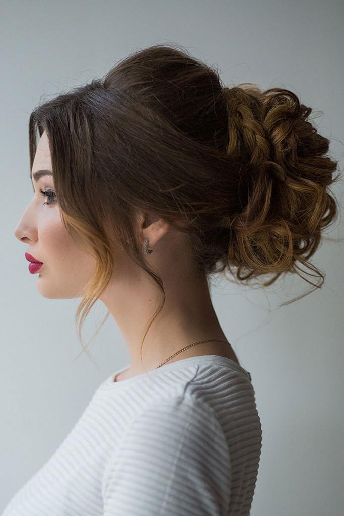 Причёски с пучком на длинные волосы 2