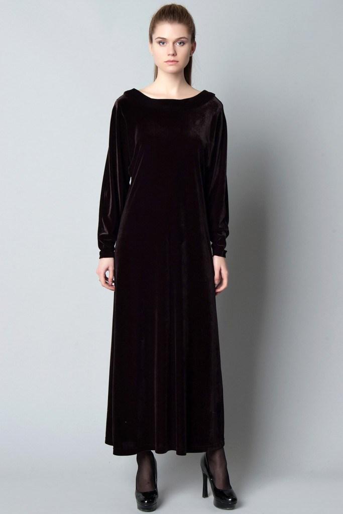 Черное длинное бархатное платье