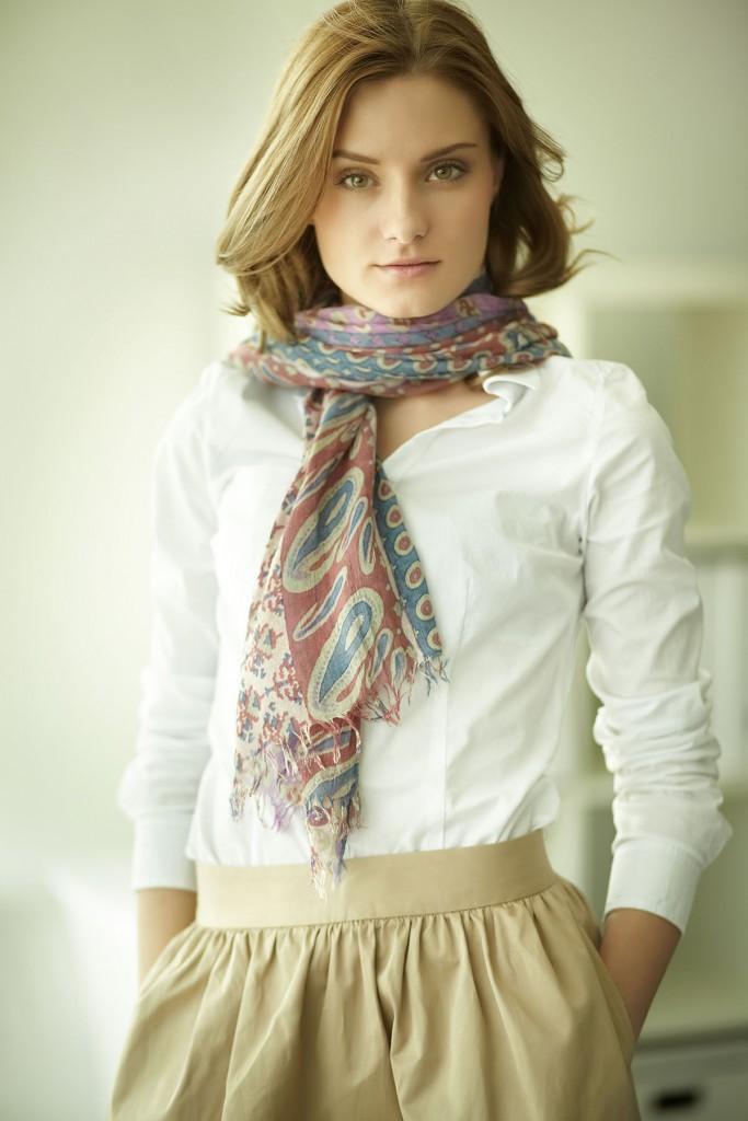 Легкий шарф с узором