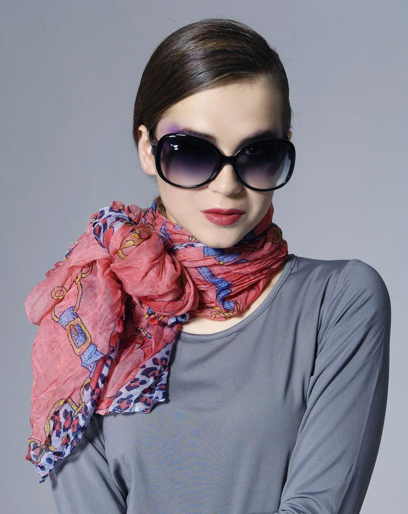 Легкий шарф с очками