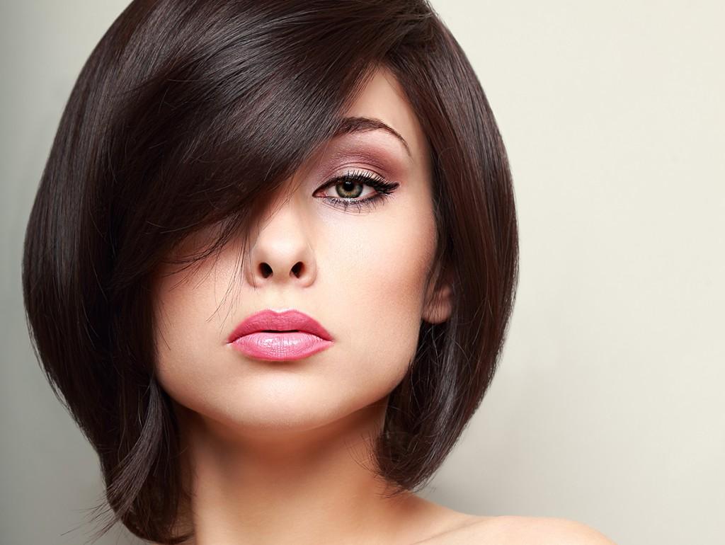 Стильная укладка на короткие волосы