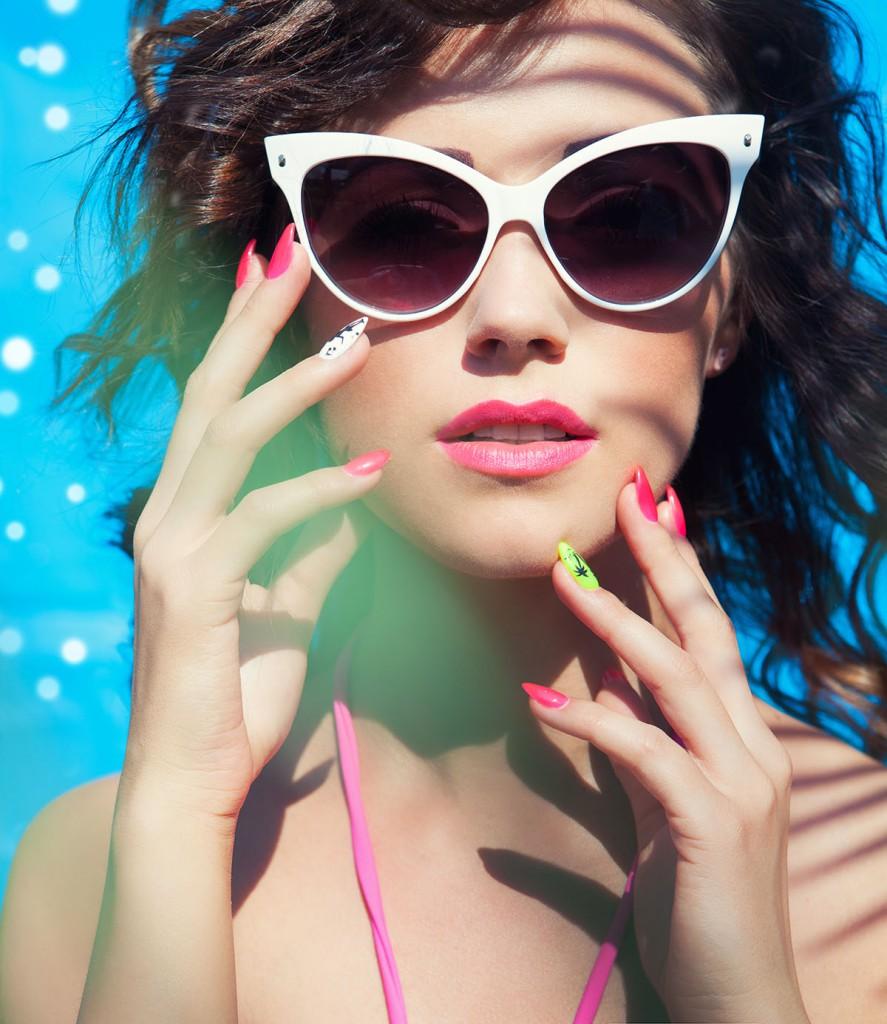 """Солнцезащитные очки в форме """"кошачьих глаз"""""""