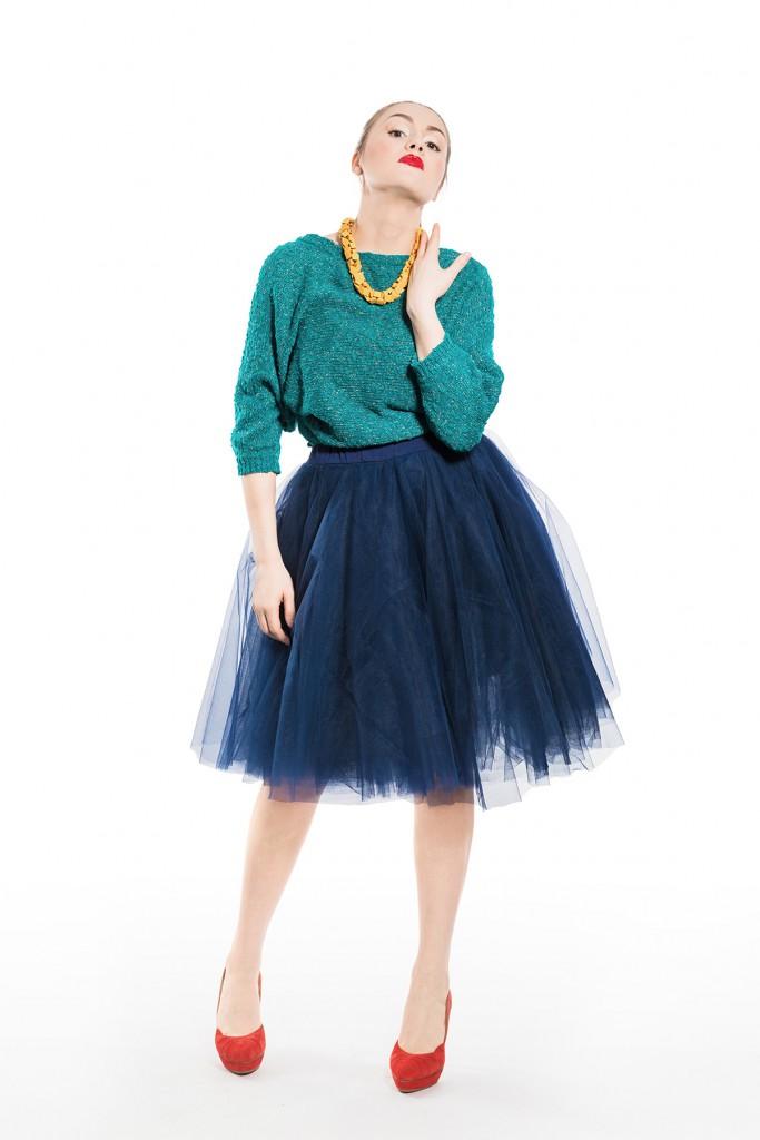 Синяя фатиновая юбка с джемпером