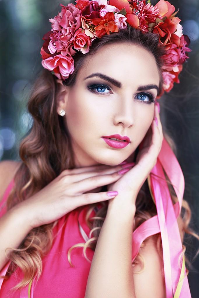 Цветочная свадебная диадема