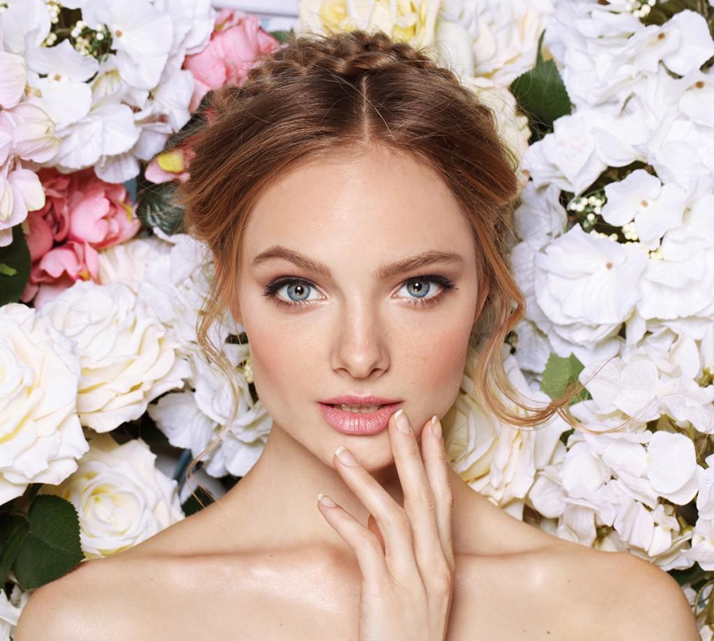 Натуральный макияж с розовой помадой