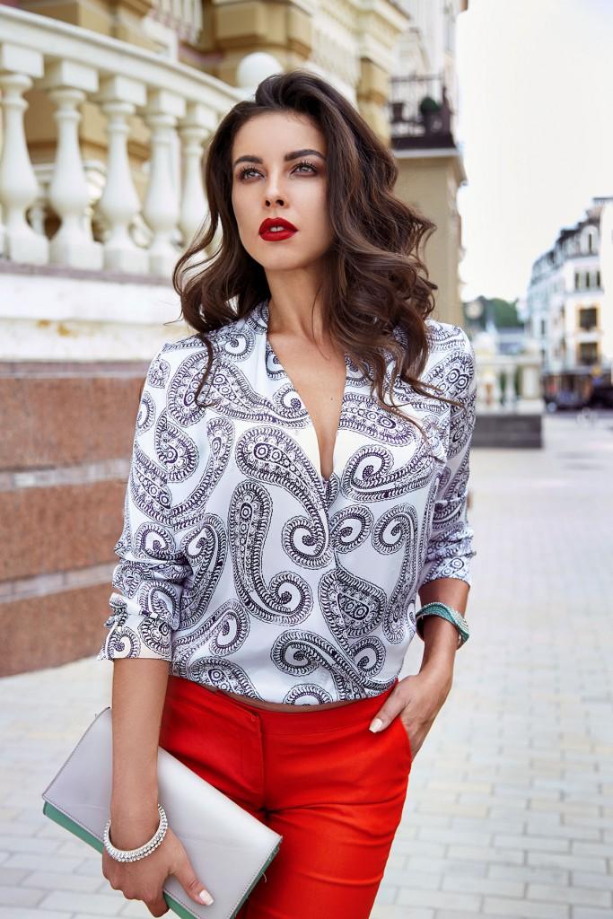 Блуза с узорами