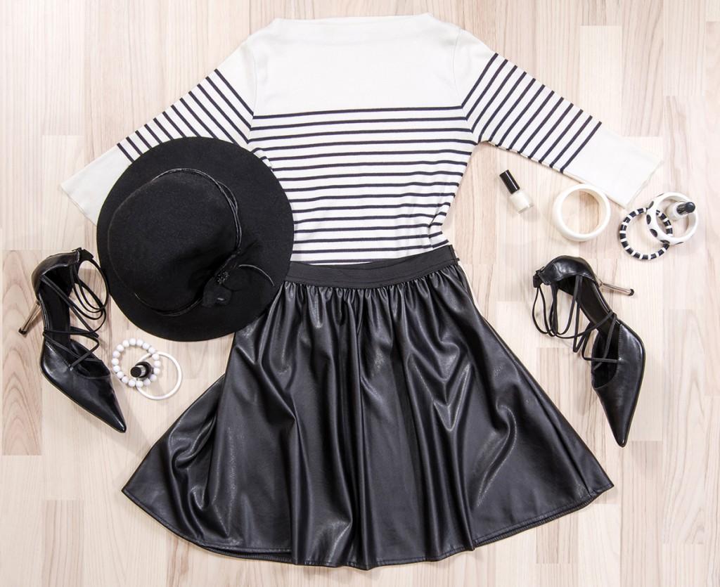 Кожаная юбка с джемпером