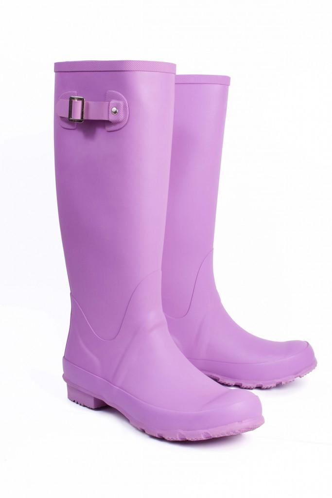 Пурпурные резиновые сапоги