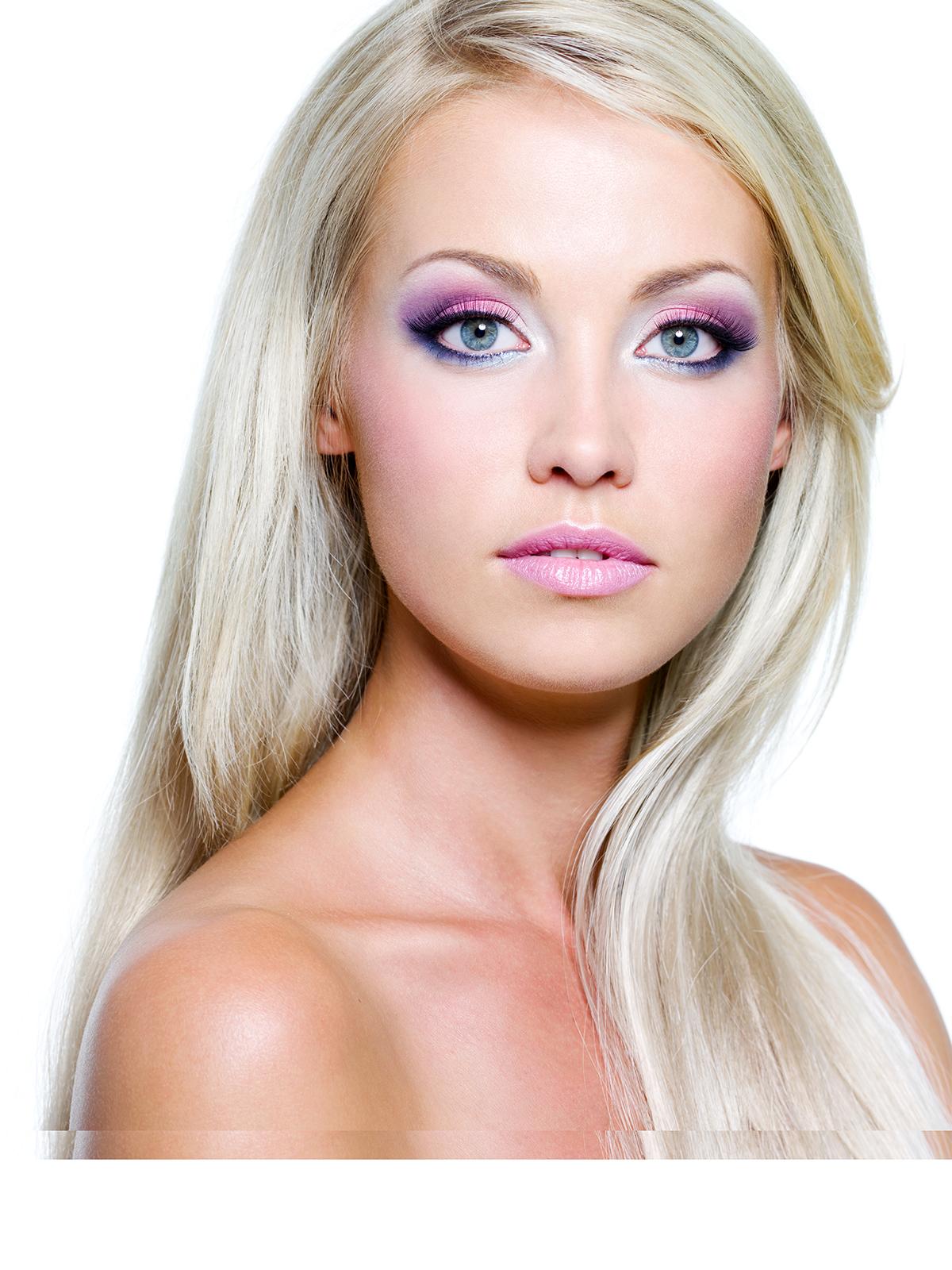 Фото макияжа для блондинок с зелеными