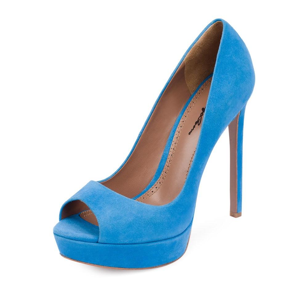 Голубые туфли с открытым носком