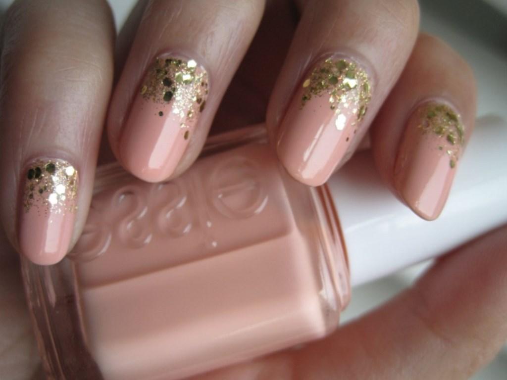 Розово-золотой с блестками