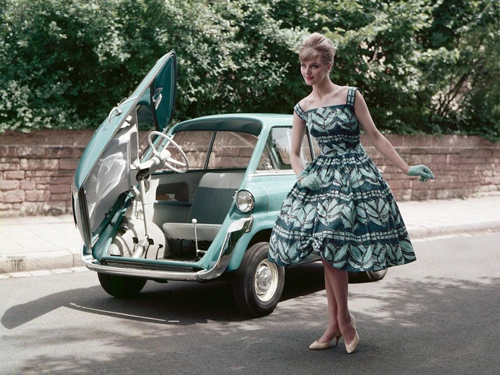 Изумрудное ретро платье
