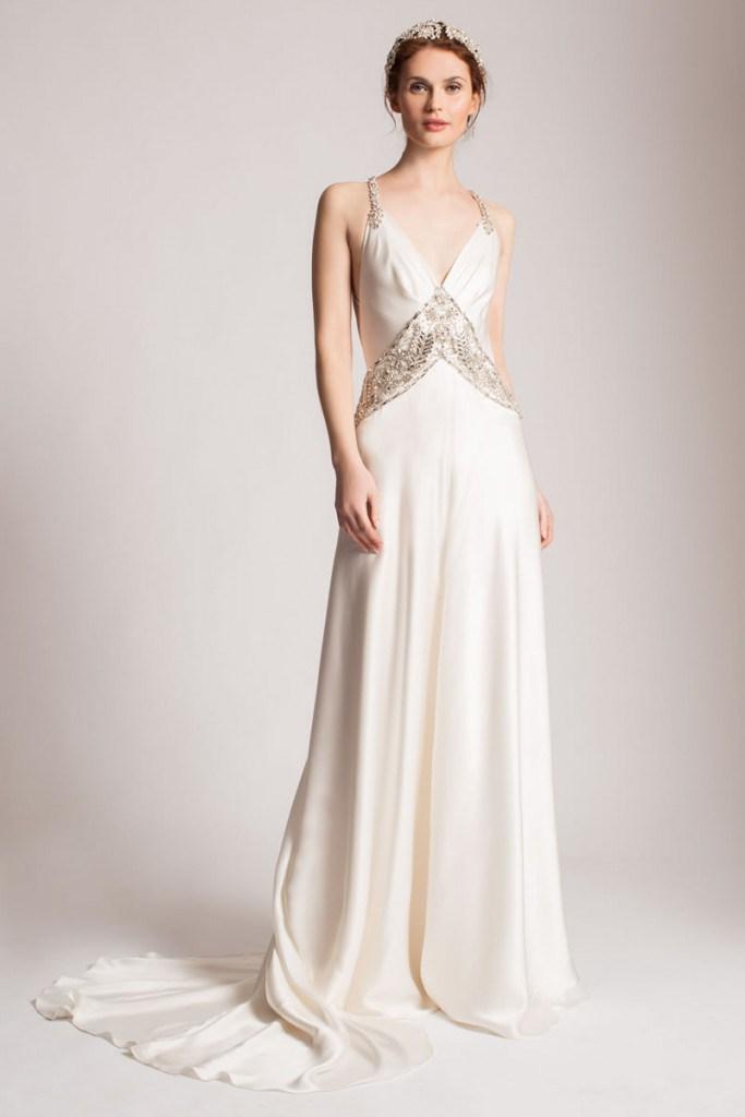 Греческое платье с венком со шлейфом