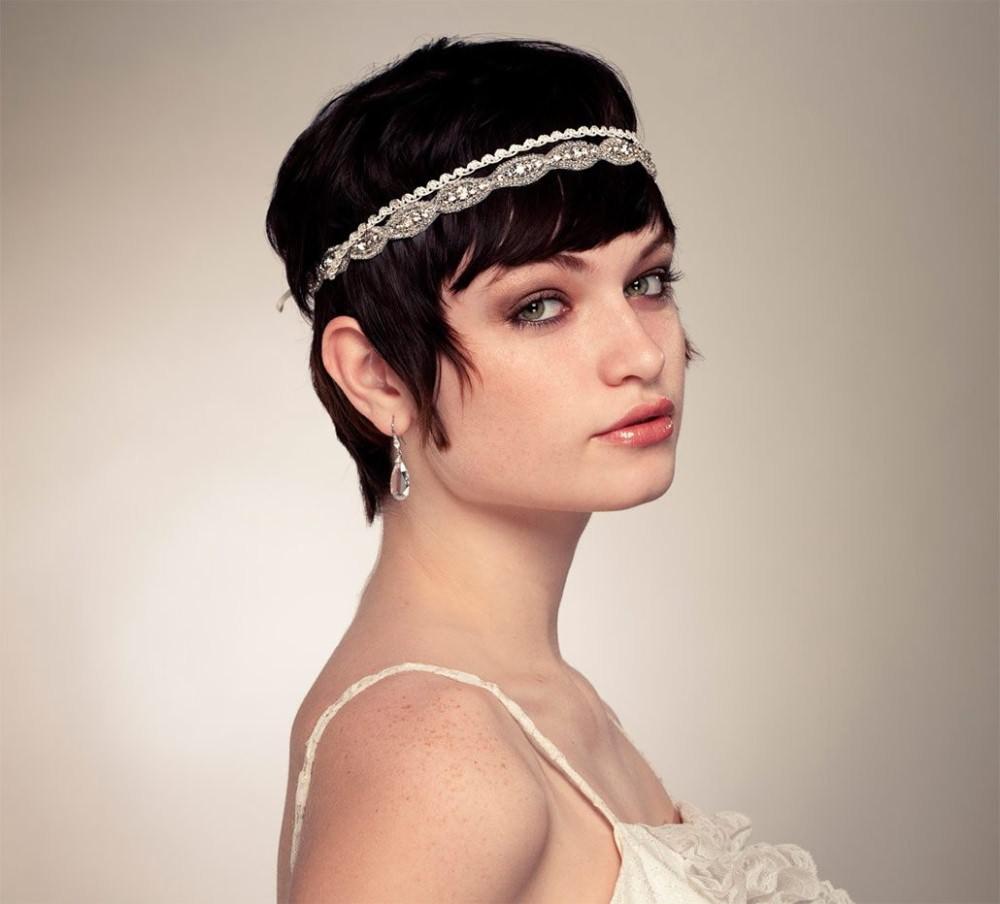 Свадебная прическа с челкой в стиле ретро