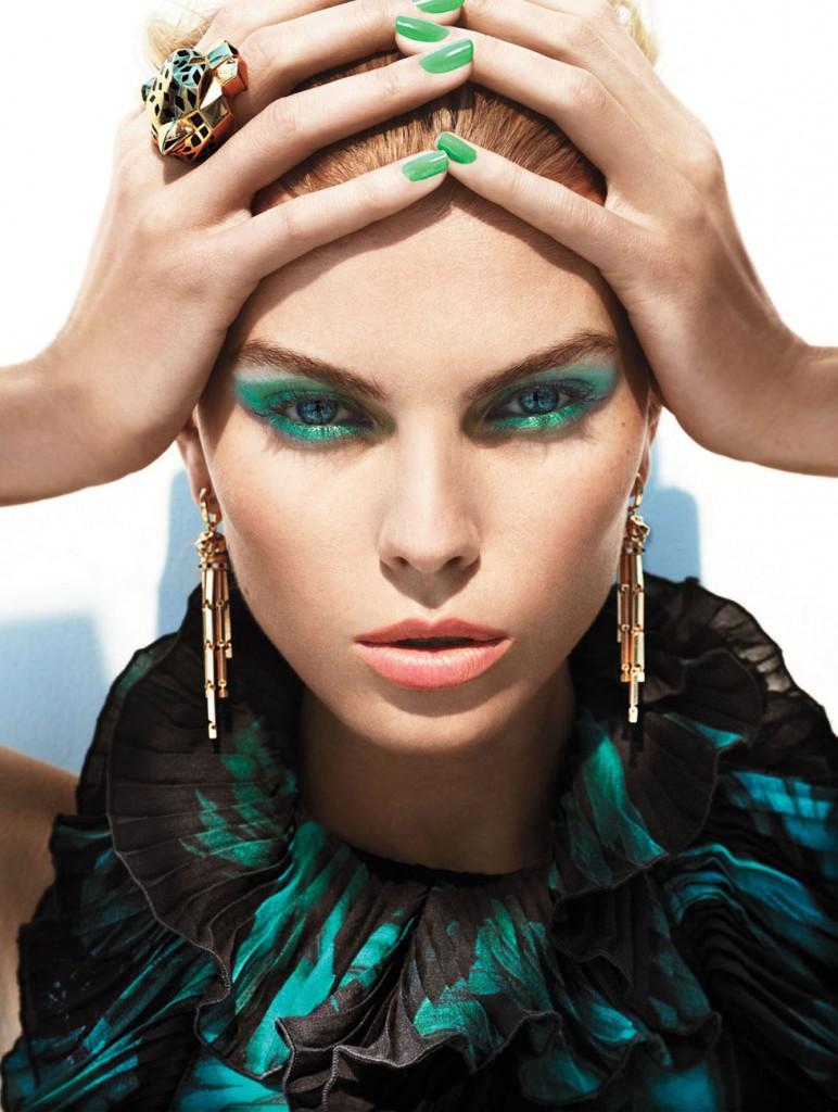 Зеленые тени для голубых глаз