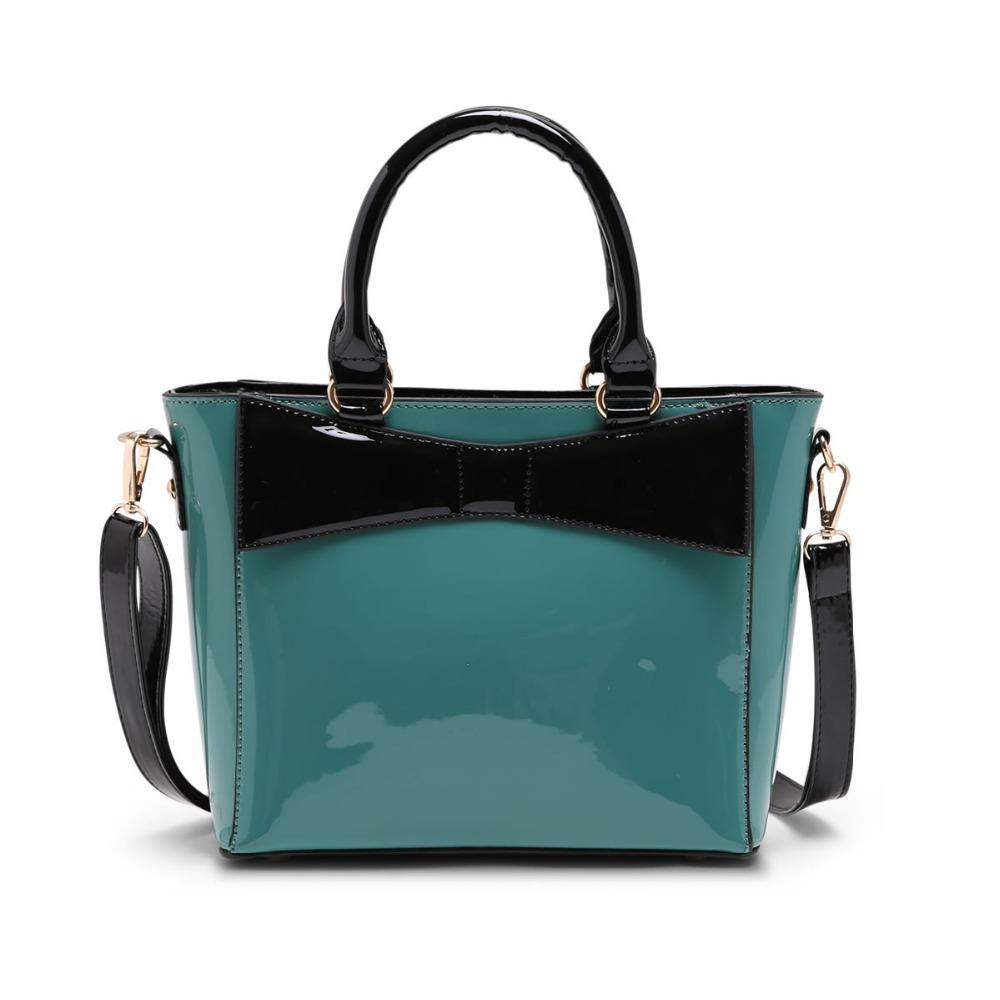 Зеленая лакированная сумка