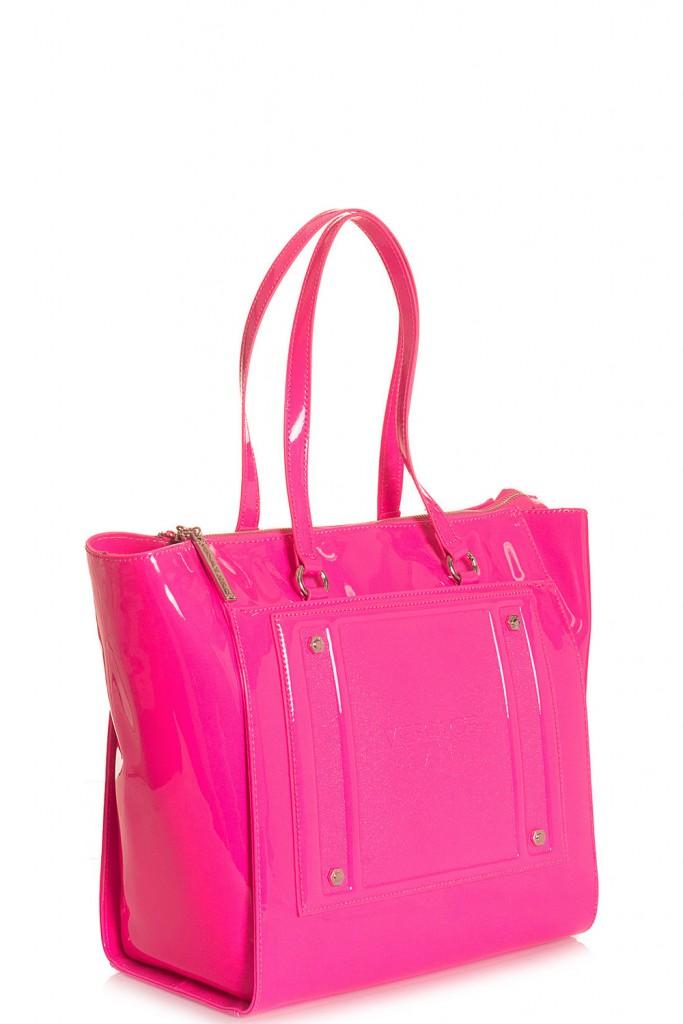 Розовая лакированная сумка
