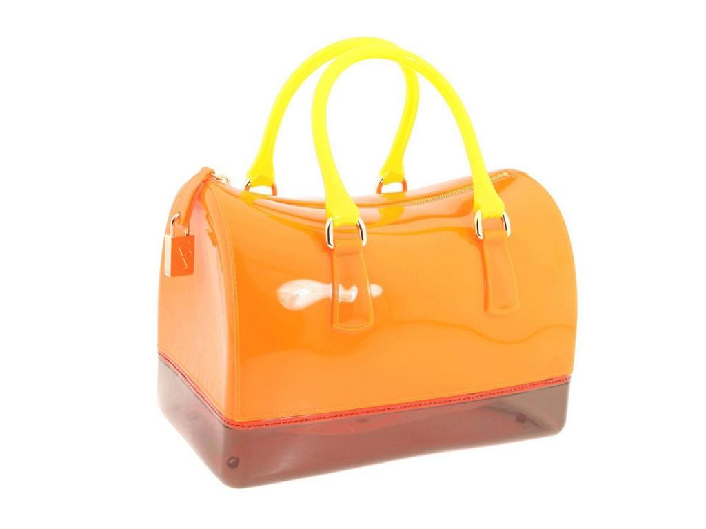 Оранжевая лаковая сумка