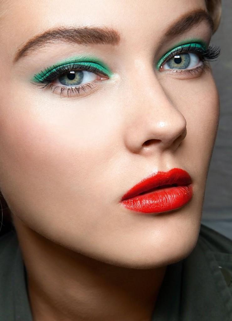 Вариант  макияжа для зеленых глаз