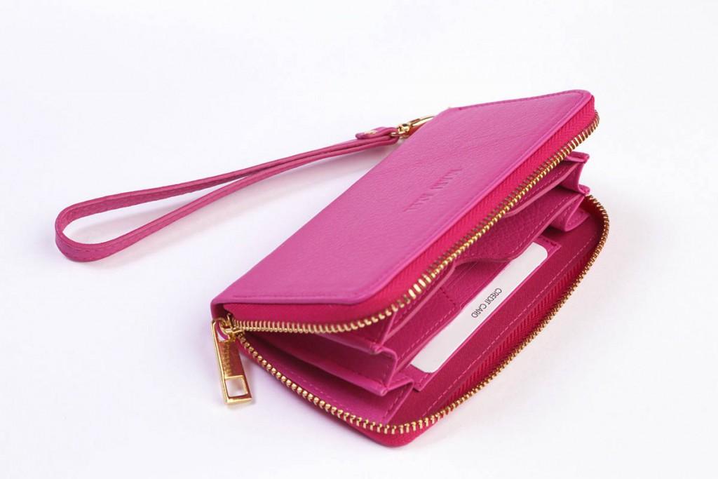 Модный кошелек цвета фуксии