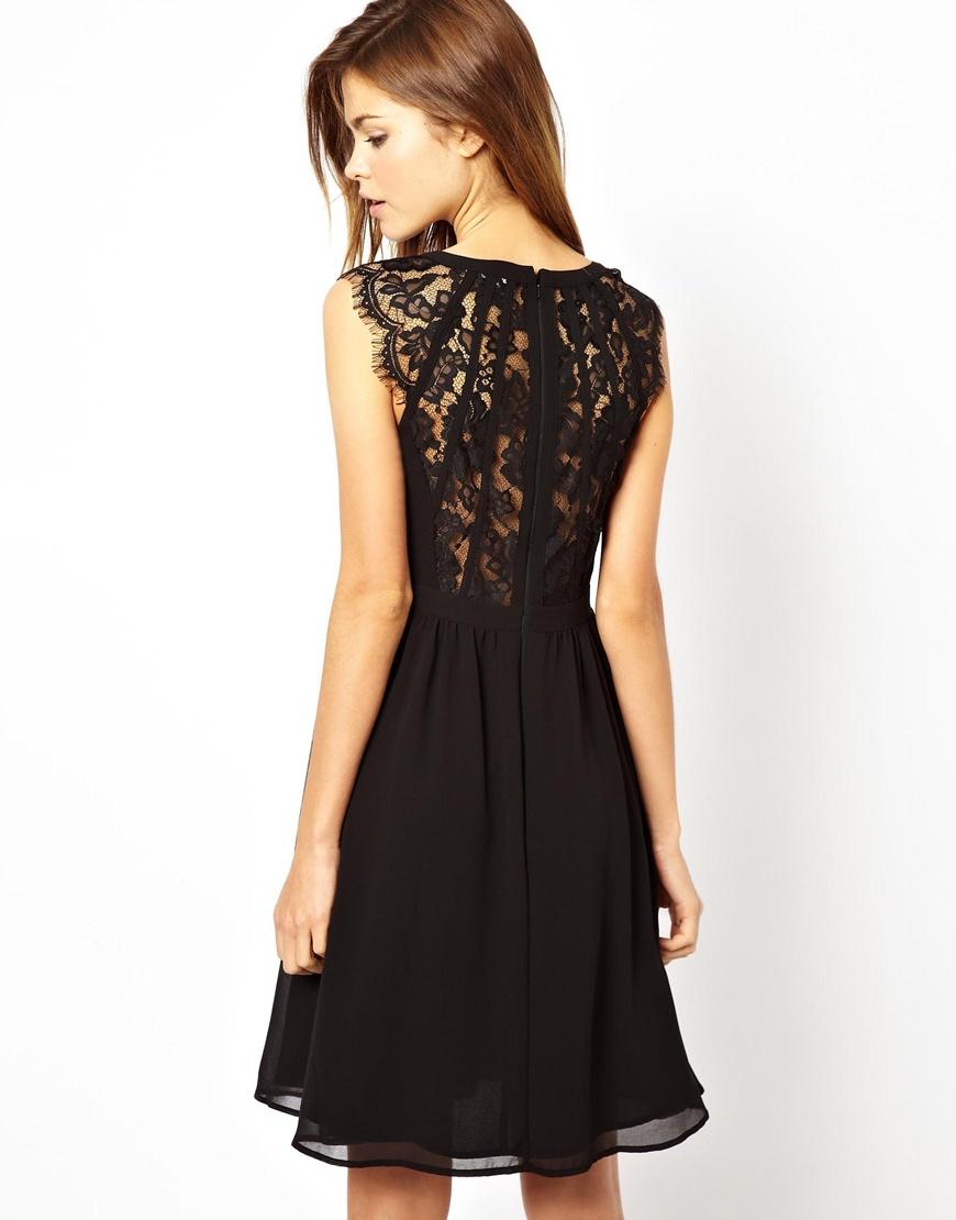 Платья с кружевной спиной