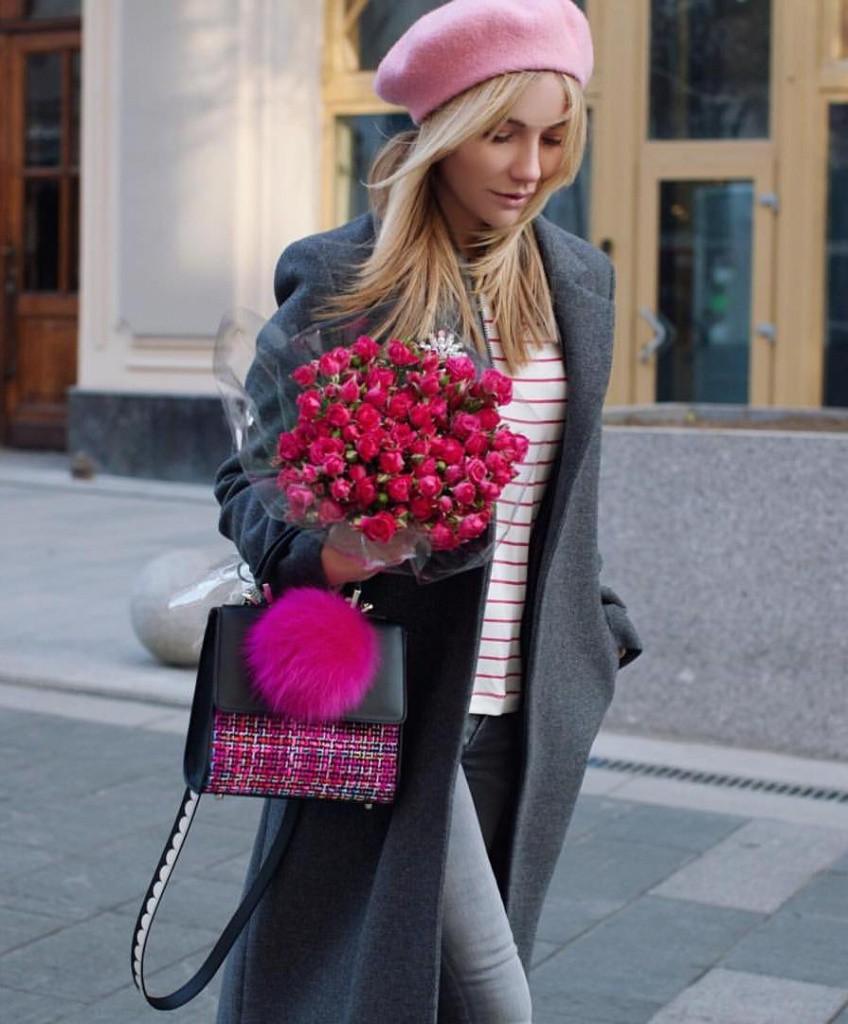 Модный женский розовый берет