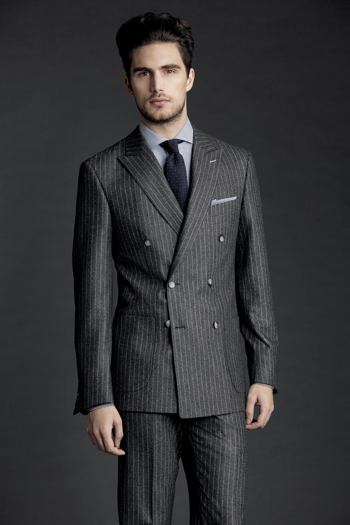 Стильный мужской двубортный пиджак