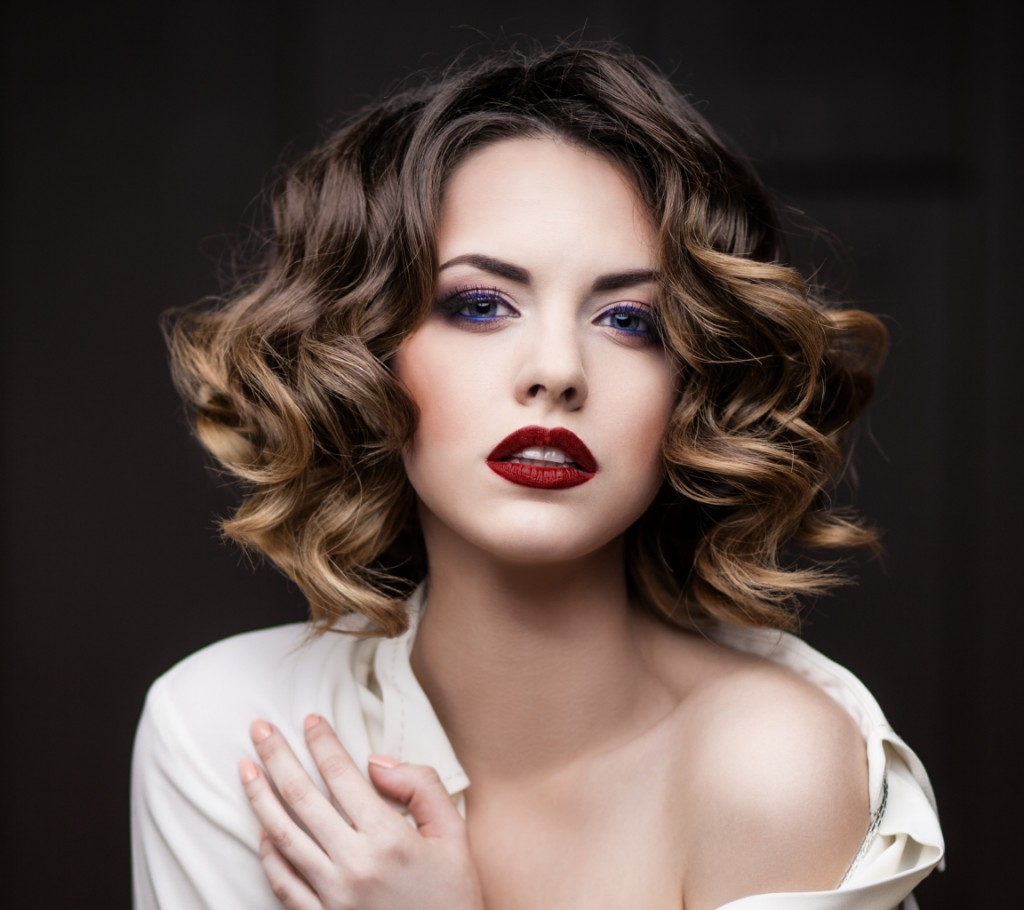 Эффектное омбре для средних волос
