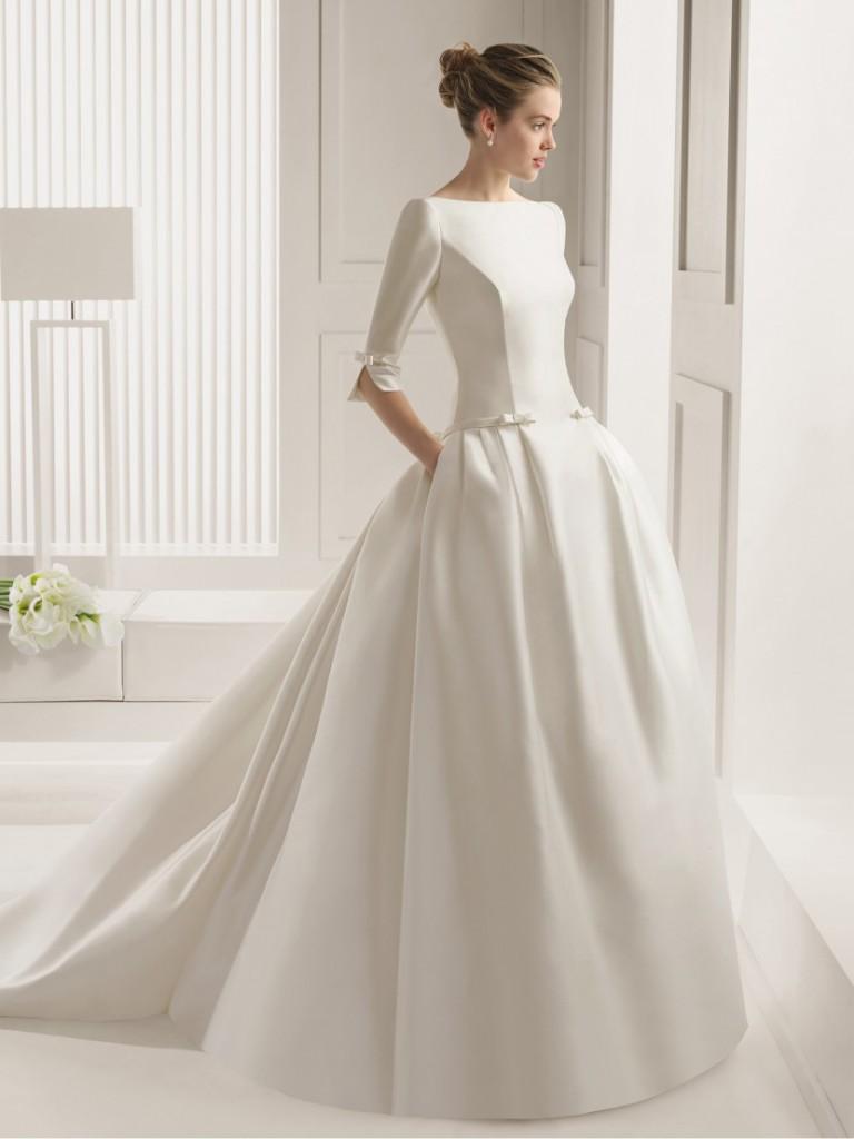 Свадебное платье из плотной ткани с рукавами