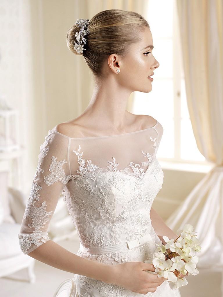 Платье невесты с кружевными рукавами