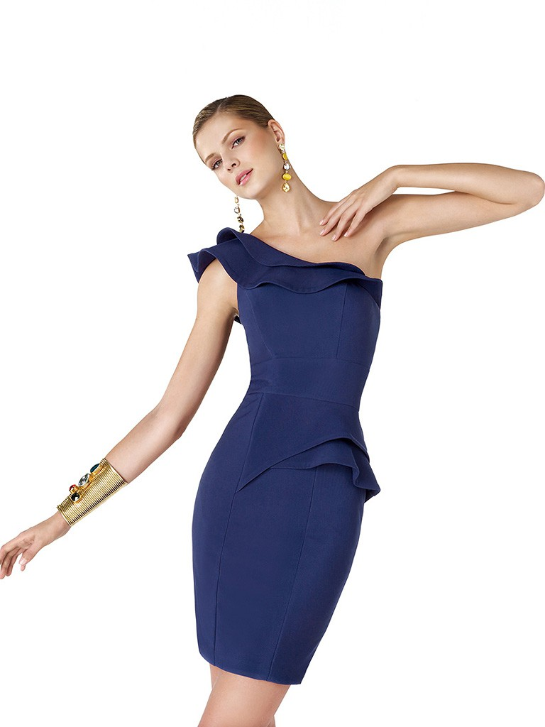 Асимметричное коктейльное платье