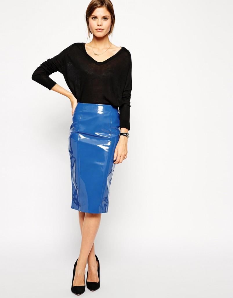 Кожаная блестящая синяя юбка