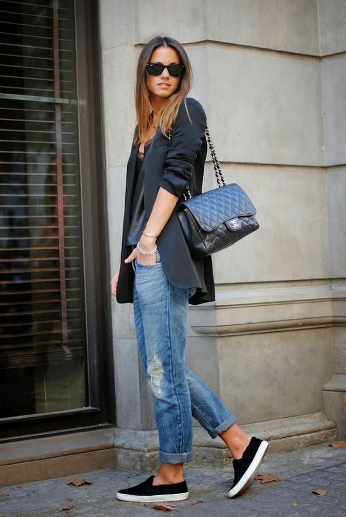 Модные слипоны с джинсами