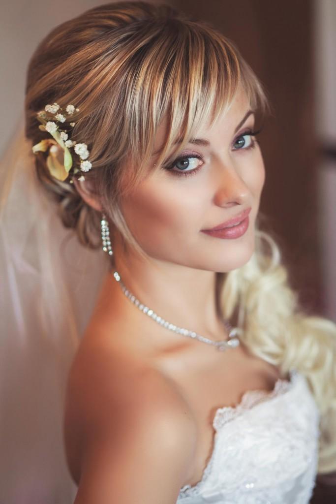 Свадебная прическа с рваной челкой