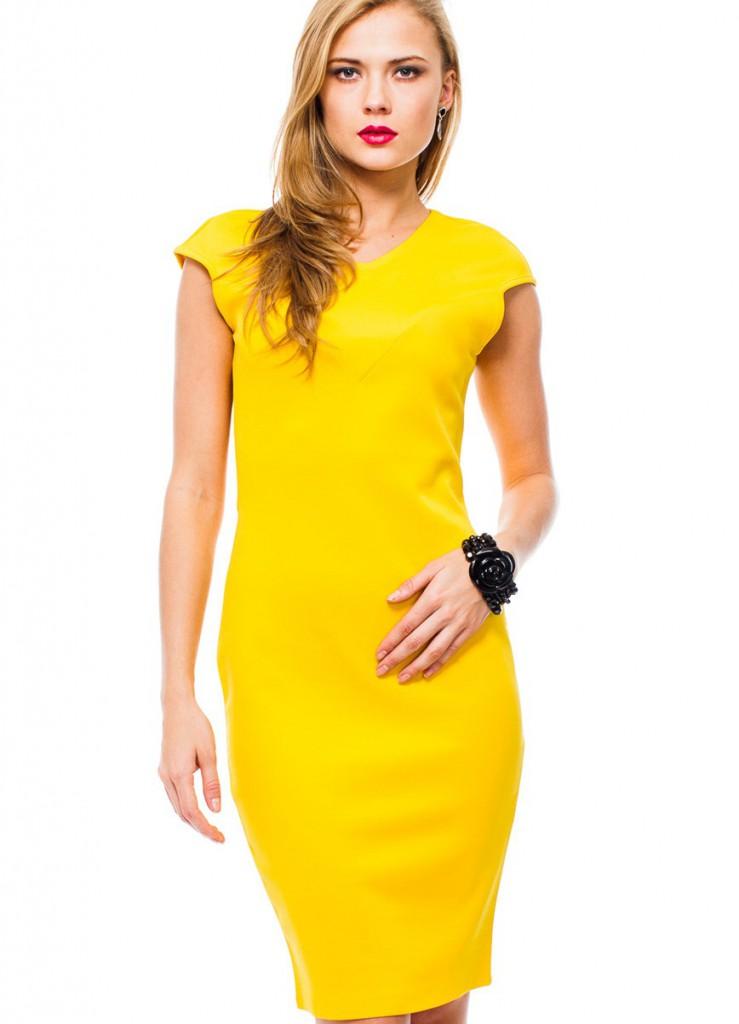Желтое офисное платье-футляр