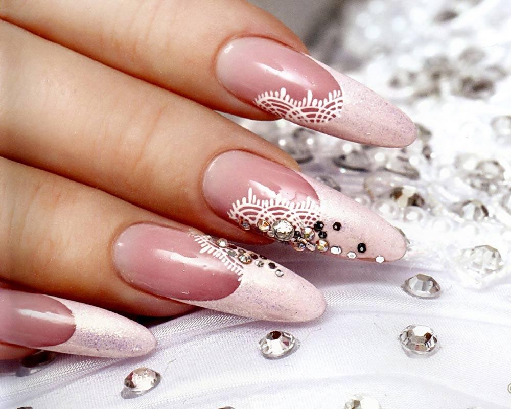 Свадебный розово-белый маникюр