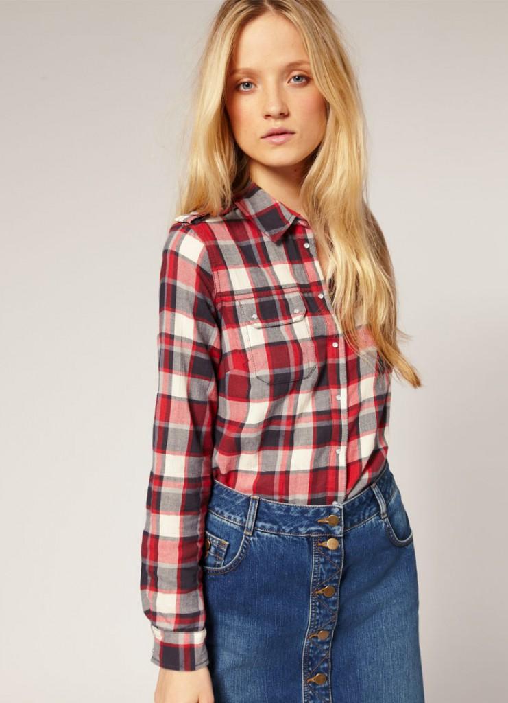 Клетчатая рубашка с джинсовой юбкой