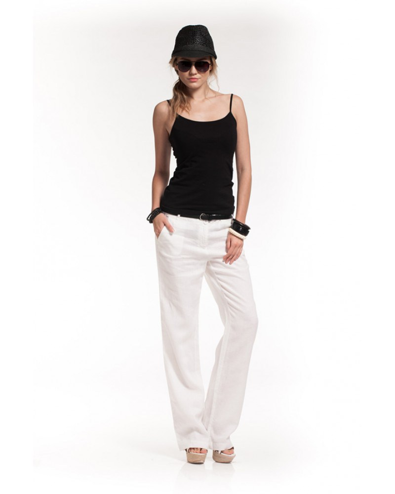 Белые брюки из льна с майкой